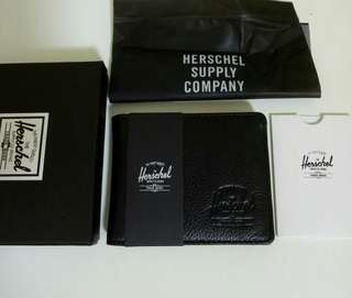 🚚 [LATEST] Herschel Jet Black Leather Roy Wallet