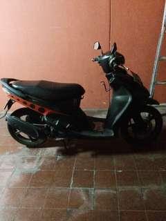 Motor mio hitam lama