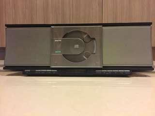 Sanyo 三洋 CD 鬧鐘 收音機