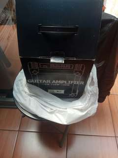 Amplifier gitar akustik