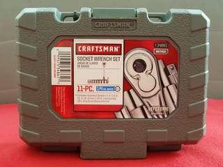 Craftsman 11-pc ratchet and socket wrench set