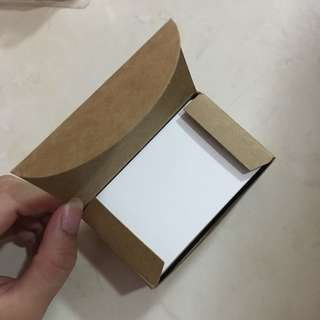 WHITE THICK CARDS IN A BOX