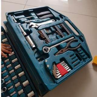 Multipurpose toolbox