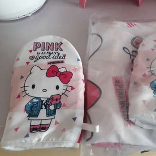 Hello kitty apron n oven glove set