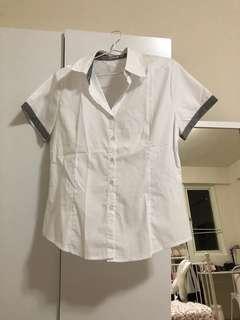 🚚 白色短袖襯衫