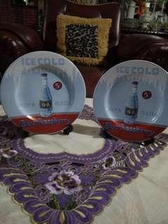 2 pc piring pajangan gambar botol