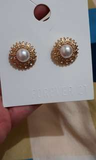 Brandnew F21 earrings