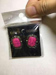 大寶石耳環