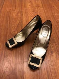 Black Roger Vivier Pumps/ Heels 黑色RV高踭鞋