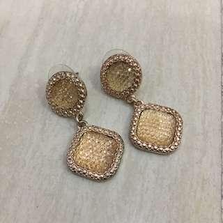 Gold Earrings (Anting Wanita)