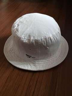 🚚 白色漁夫帽