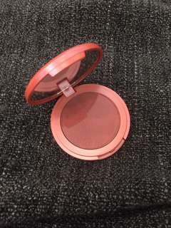 🚚 BN Tarte Amazonian Clay 12 Hour Blush in Achiote