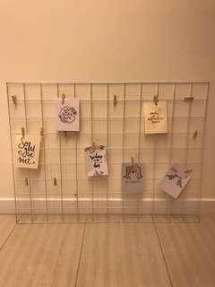 White Metal Wire Photo Grid Board