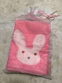 Young Hearts Bath Towel