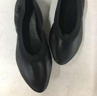 Pointy Flats Size 38