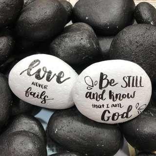 🚚 Custom painted pebble stones rocks