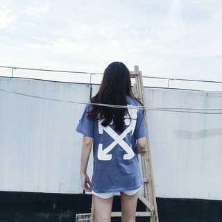 Off white blue tee