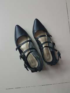 Black Pointy Flats with buckles size 37