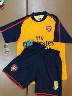 Set baju Arsenal