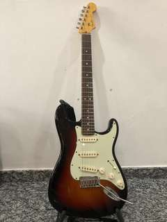 Electric Guitar Fender American Deluxe Stratocaster SSS