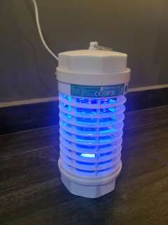 Insect light trap