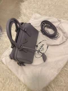 Prada handbag 手袋