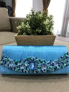 Cluth Biru Cantik