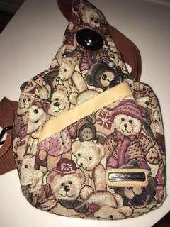 熊仔斜揹袋 多隔 輕巧