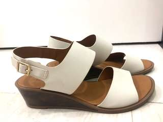 Charles and Keith Wedge Size 37