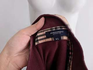 Auth Burberry burgundy collared top