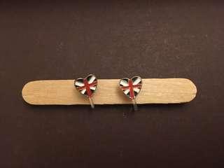 🚚 【低價出清】英國愛心夾式耳環