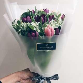20s Tulip bouquet
