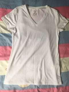 🚚 白V領T恤
