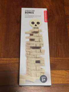 Kikkerland Stack the bones (Party game)