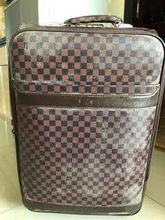Koper Polo bagasi size