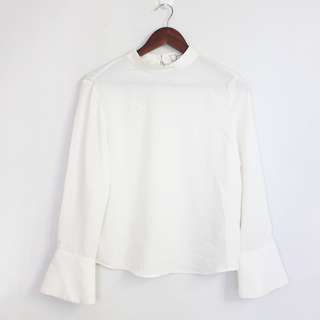 [RESERVED] (S-M) Korean Fashion Style White Bell Wrist Sleeves Top Blouse