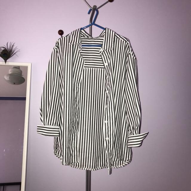 Black white collar shirt