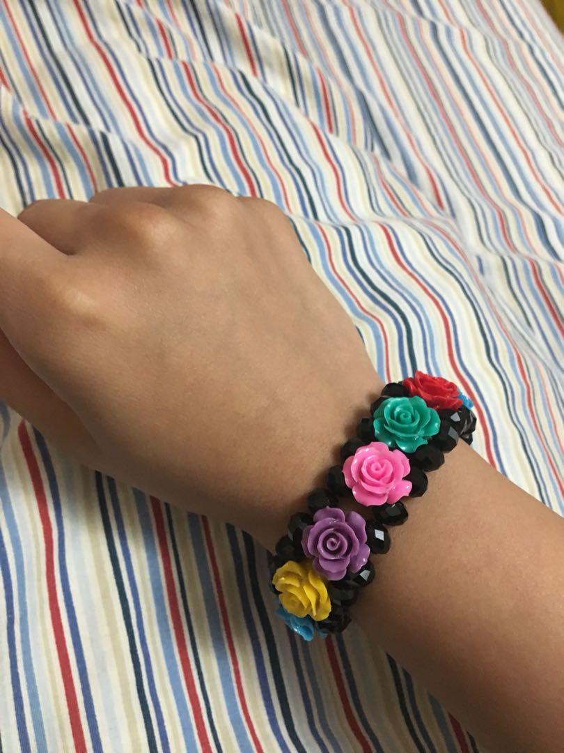 Colourful rose bracelet