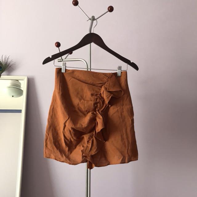 Frilly mini skirt