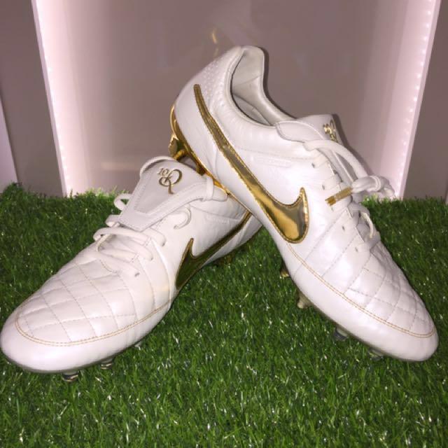 d63c1699894 Nike Tiempo Legend V Premium Ronaldinho 10