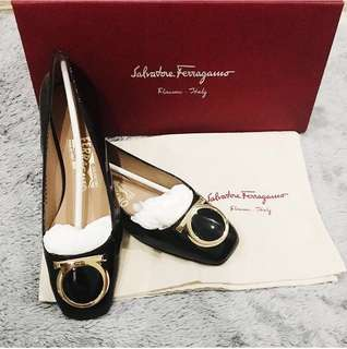 Authentic Salvatore Ferragamo Taissa flat shoes #maudecay