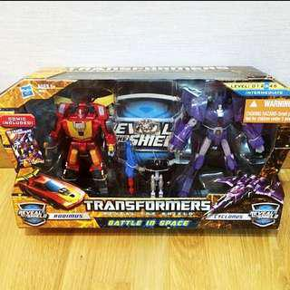 Transformers Classic Rodimus Cyclonus Figures Reveal The Shield Battle In Space Box Set Hasbro