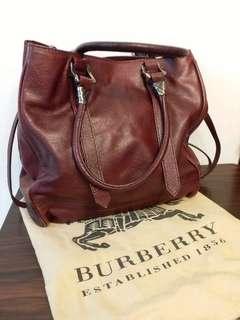 Burberry 英國版真皮紅色 Maidstone Saddle Leather Shoulder Bag