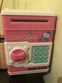 🚚 hello kitty保險箱存錢筒 原價800 現換物500 直購400