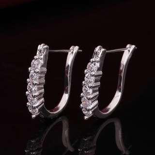 🚚 100300長排鑽石U形耳環#女裝半價拉