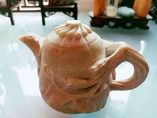 壽山石手雕茶壺