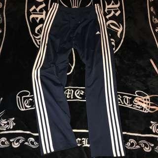 🚚 古著 近全新 adidas 電繡LOGO 三線條 光滑 棉質 舒適 基本款 口袋拉鍊 棉褲 休閒褲 運動褲