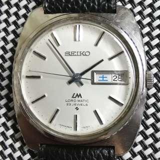 """70"""" Seiko Lord Matic 精工古董錶,原裝白色面,無番寫,原裝針,原裝23石自動機芯,行得走得,代用皮帶,上鏈正常,較不到日曆,錶頭35mm不連錶的,錶耳19mm,淨錶港幣$400,不議價,有意請pm"""