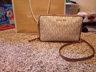 Michael Kors (MK) Shoulder Bag