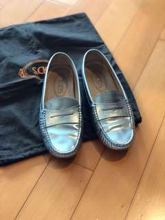 🈹️Tod's Silver Gommino flats